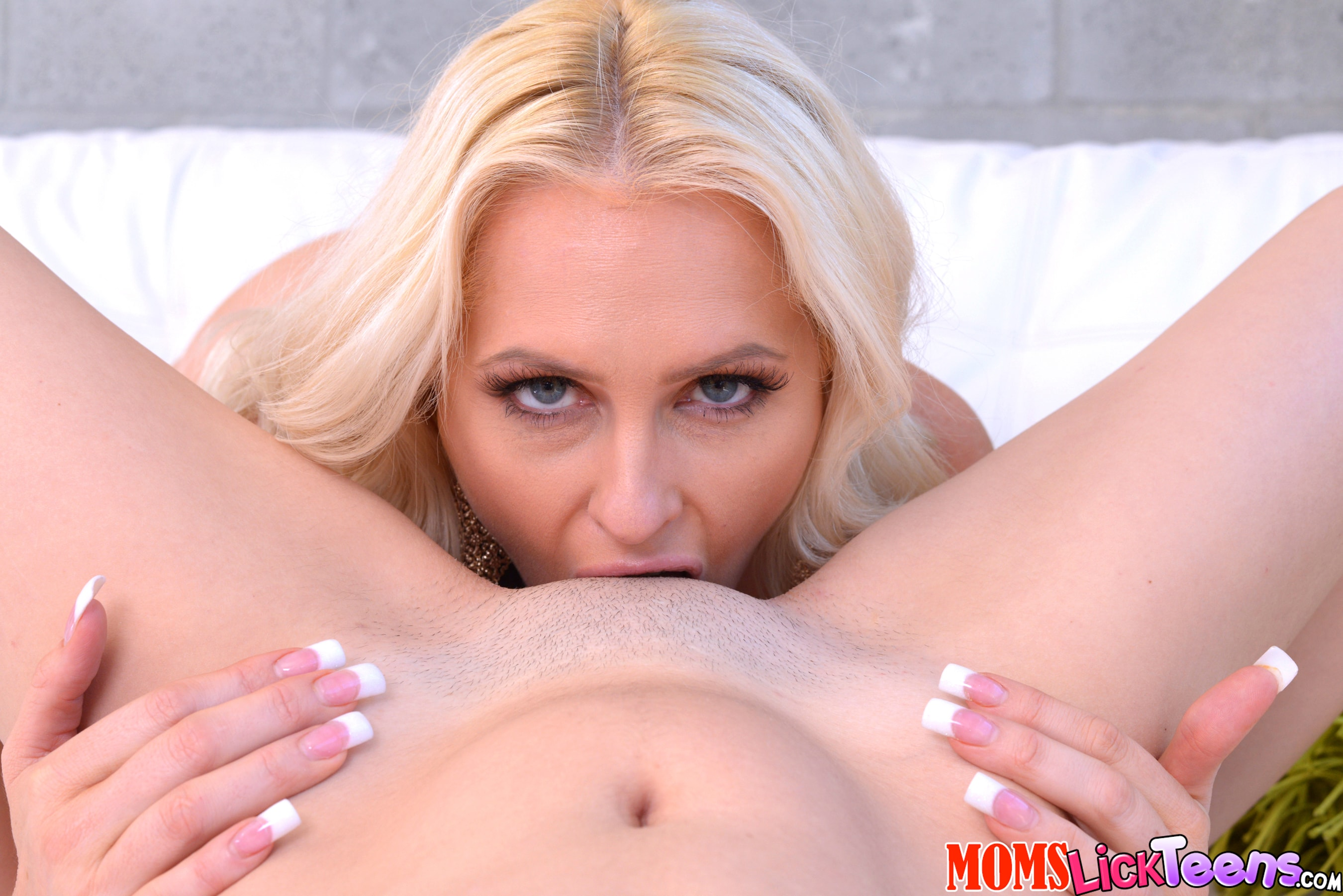 Reality Kings 'Right down the slit' starring Alena Croft (photo 220)