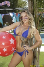 Cali Carter - Bone On The Fourth Of July (Thumb 01)