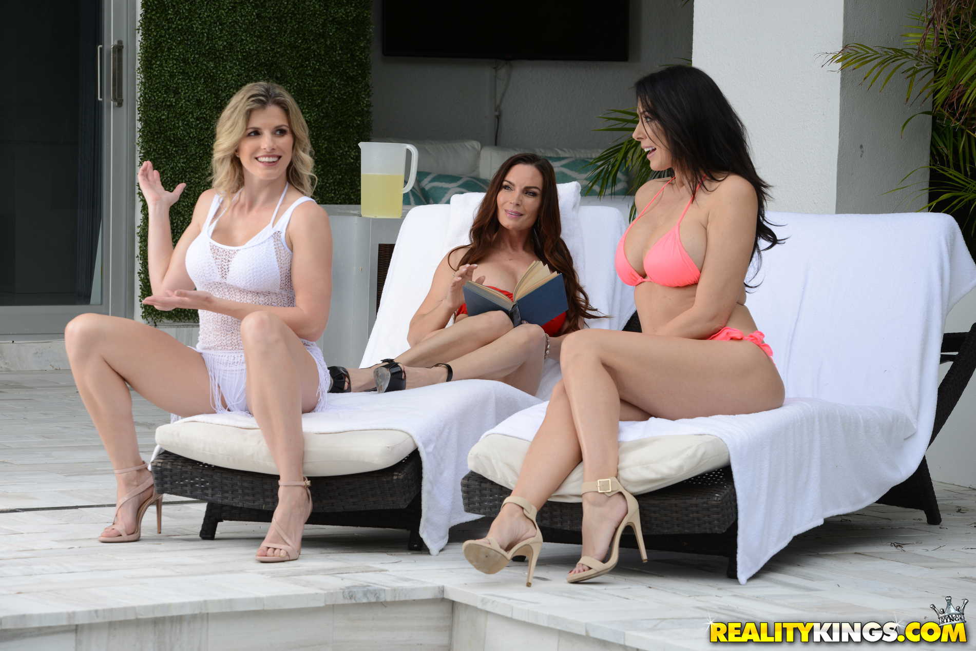 Reality Kings 'Getting Milf Handled' starring Diamond Foxx (photo 105)