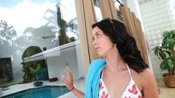 Alaina Kristar in 'Sexy shake'