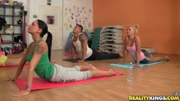 Aleska Diamond - Yoga love