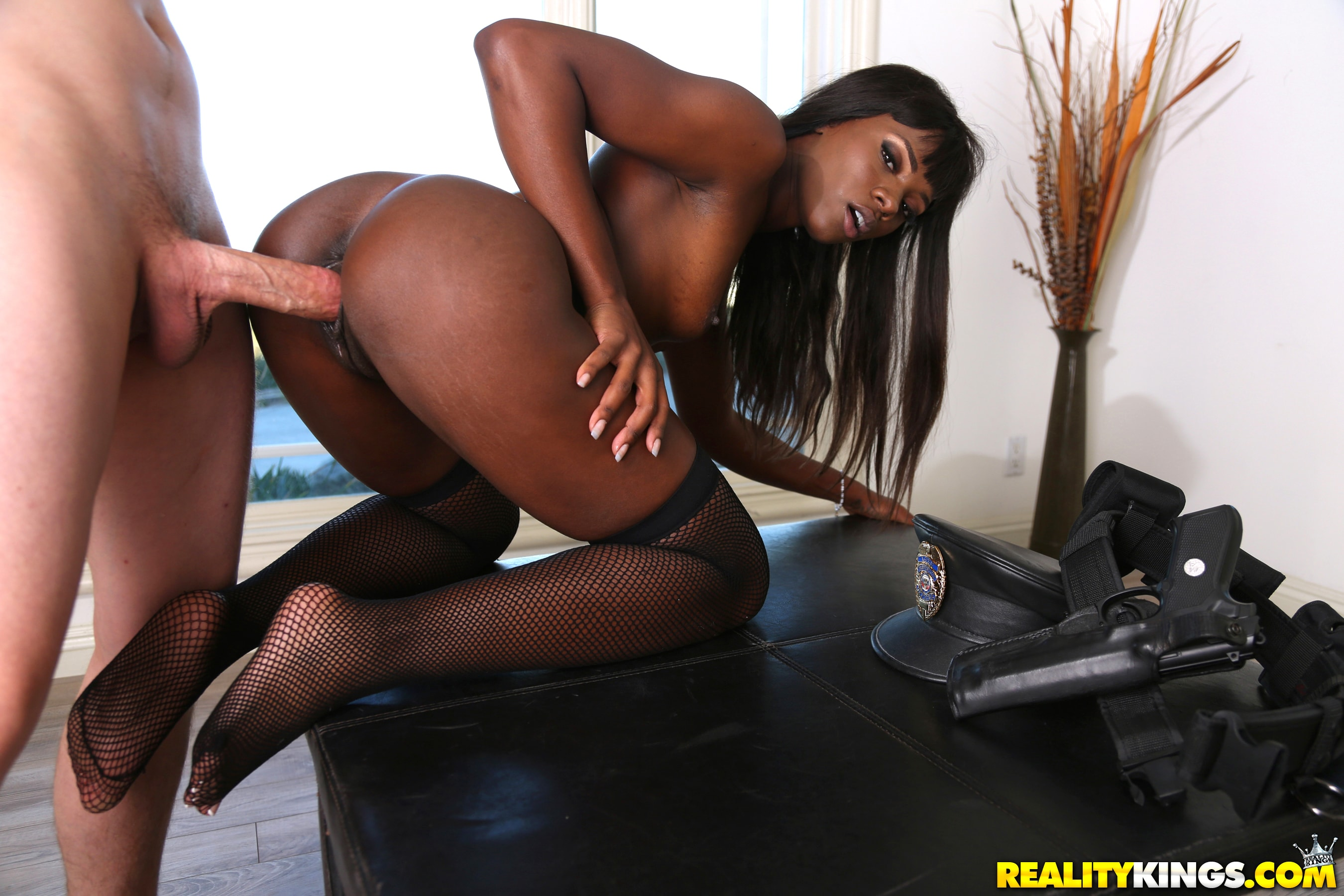 Robby echo, camille amore in this white boy likes it round, brown and juicy, hd