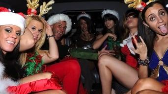 Ava Cash in 'Ohh santa'