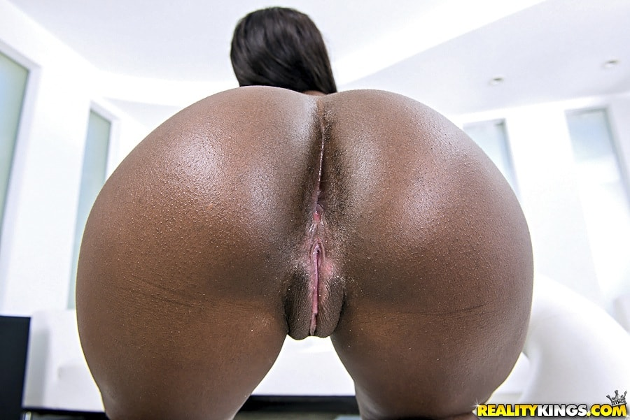 Reality Kings 'Bubble ass' starring Bonnie Amor (Photo 93)