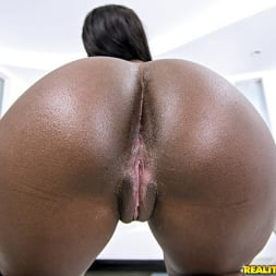 Bonnie Amor in 'Reality Kings' Bubble ass (Thumbnail 93)