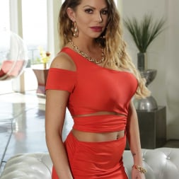 Brooklyn Chase in 'Reality Kings' Graphic In Traffic (Thumbnail 1)