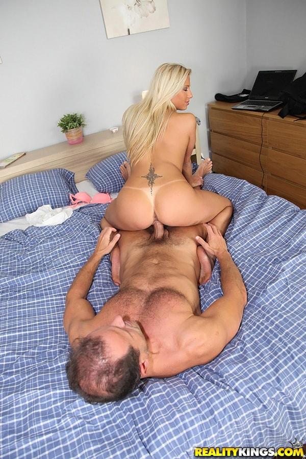 Reality Kings 'Pay with candy' starring Candy Love (Photo 451)