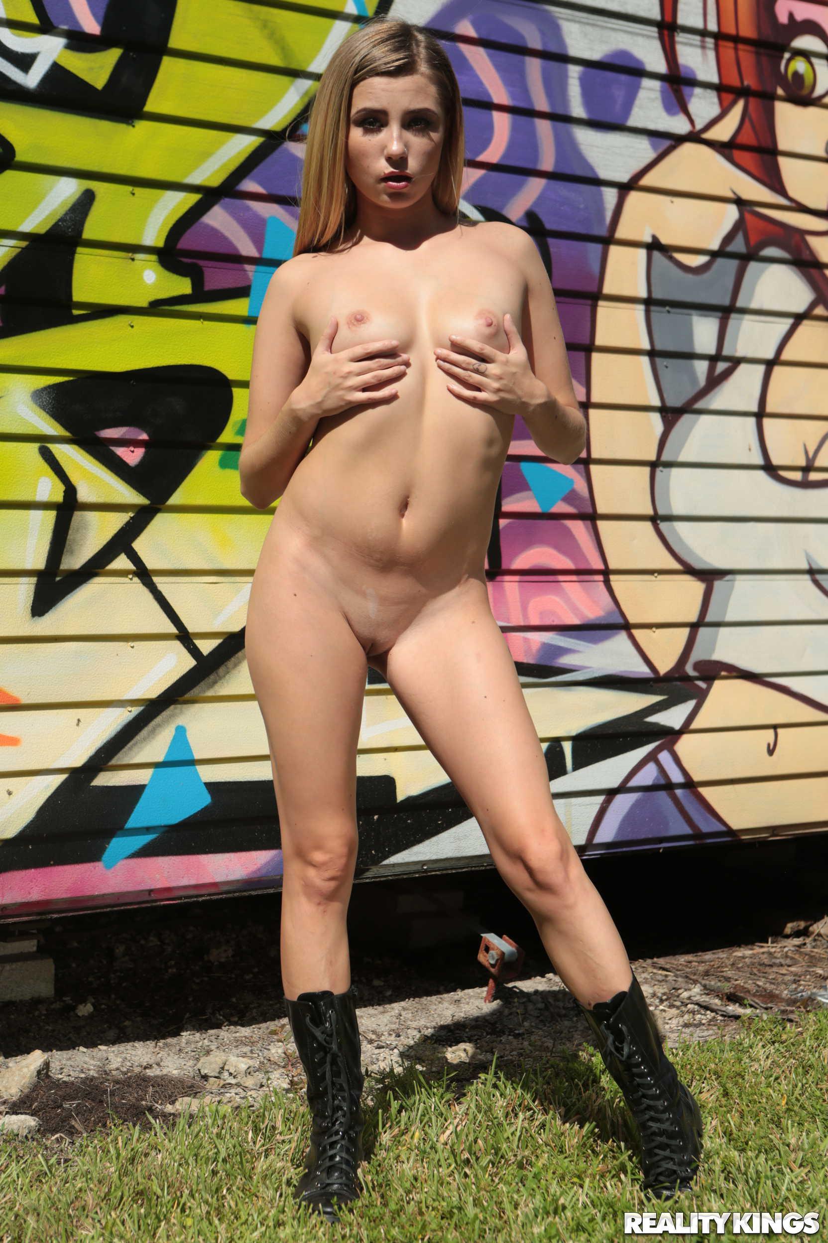 Reality Kings 'Spray And Play' starring Carolina Sweets (Photo 18)