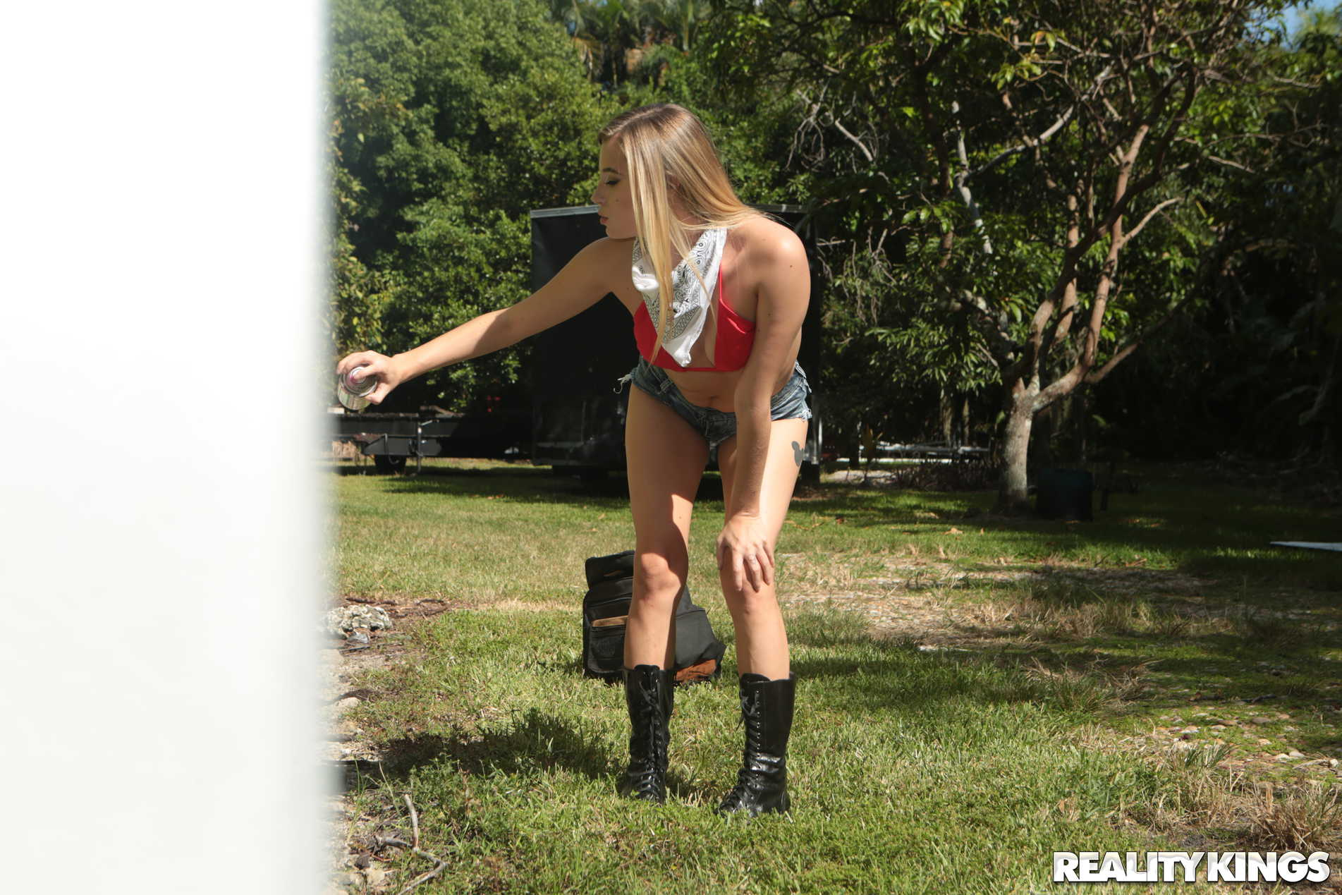 Reality Kings 'Spray And Play' starring Carolina Sweets (Photo 45)