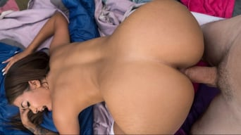 Cassidy Banks in 'Into The Wild'