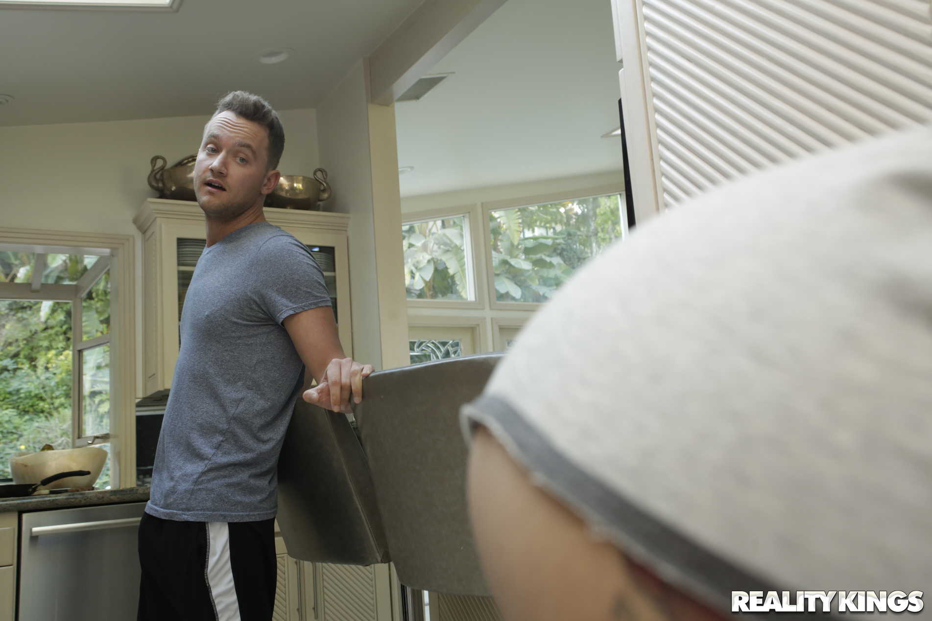 Reality Kings 'On The Run 2' starring Cassidy Banks (Photo 42)