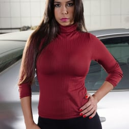 Cristiane Fatally in 'Reality Kings' Waxing the trunk (Thumbnail 1)