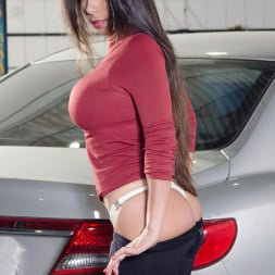 Cristiane Fatally in 'Reality Kings' Waxing the trunk (Thumbnail 30)