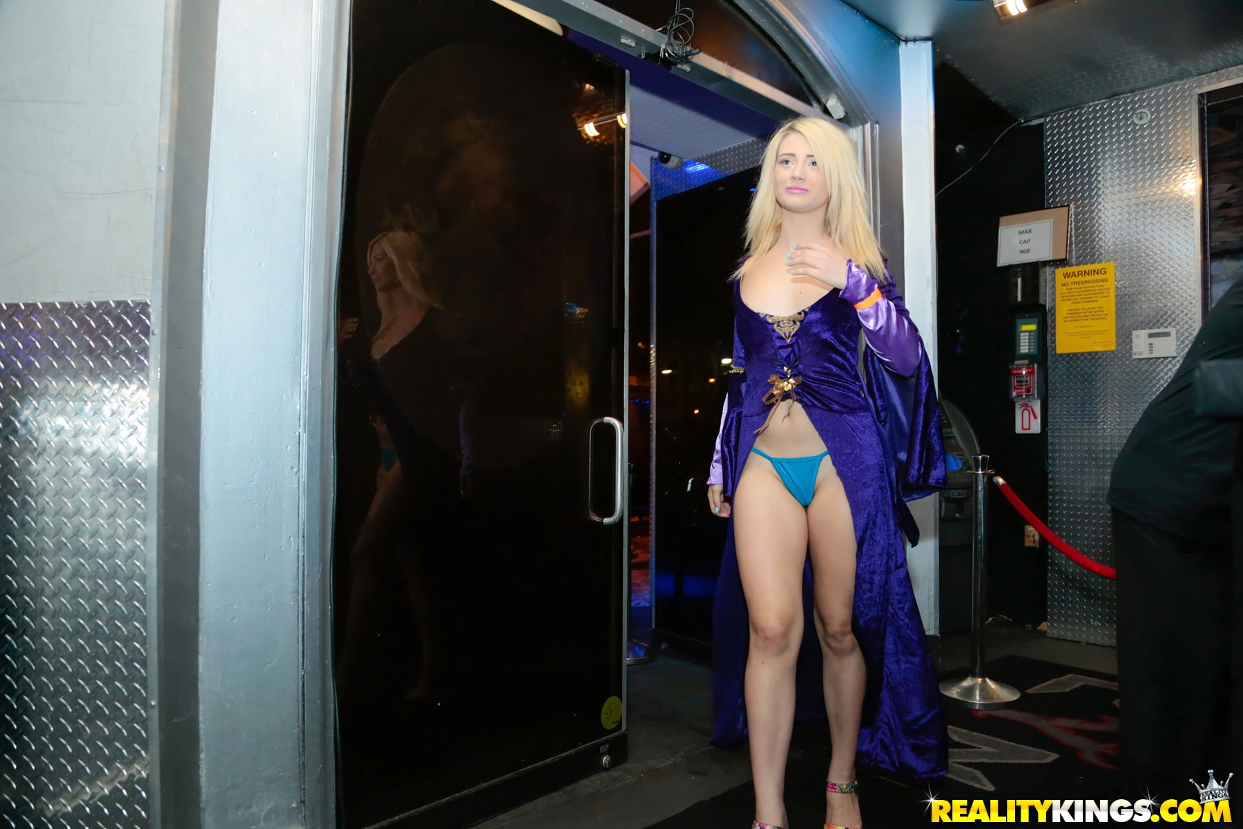 Reality Kings 'Game of pussy' starring Goldie Oritz (Photo 27)