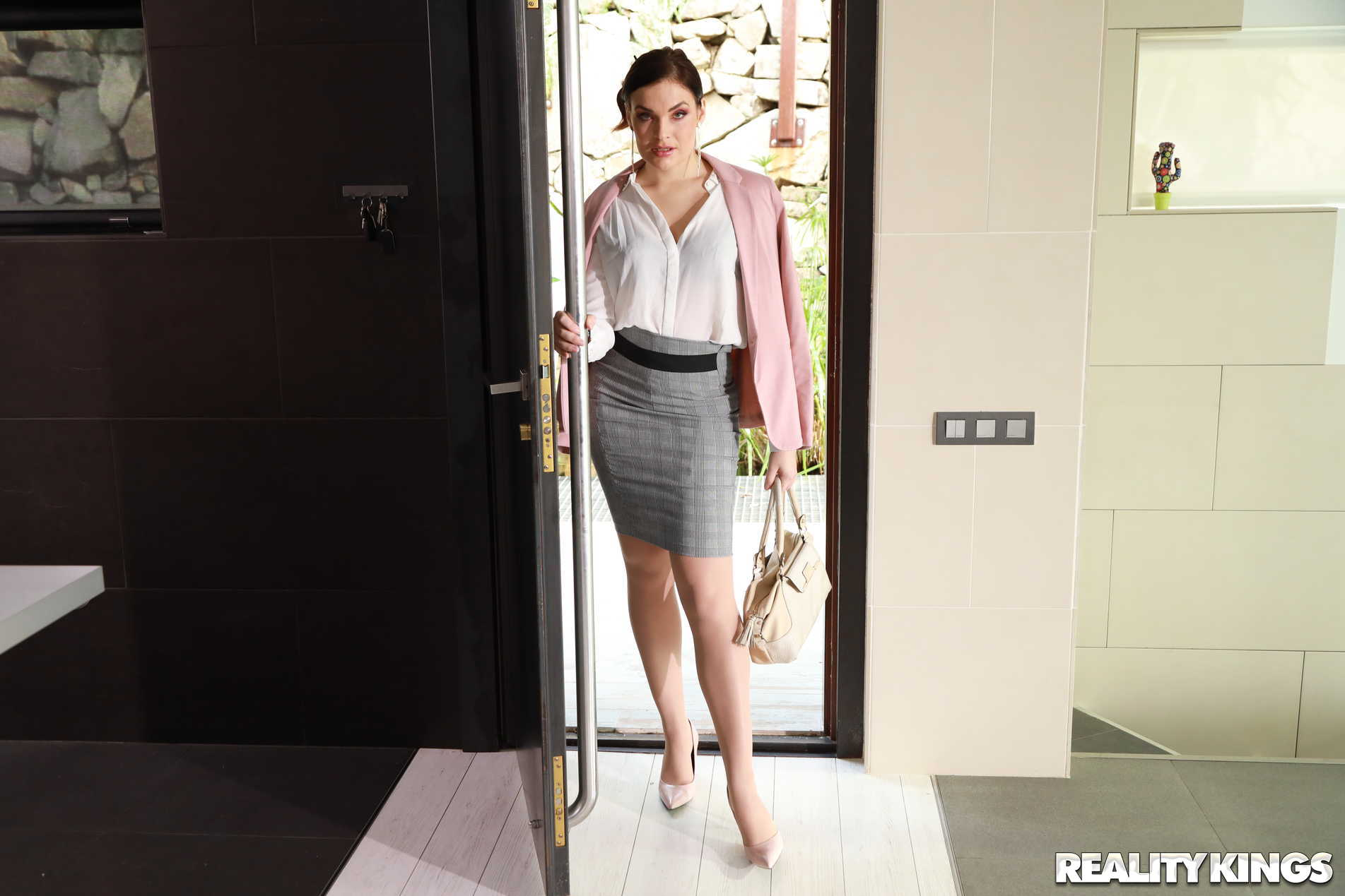 Reality Kings 'From Business To Pleasure' starring Hannah Vivienne (Photo 1)