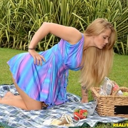 Holly Heart in 'Reality Kings' Picnic pussy (Thumbnail 41)
