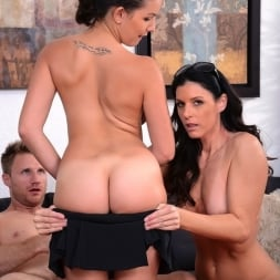 India Summer in 'Reality Kings' Topless tennis (Thumbnail 259)