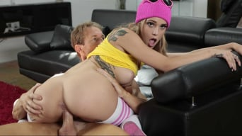Kali Roses in 'Star Stroked'