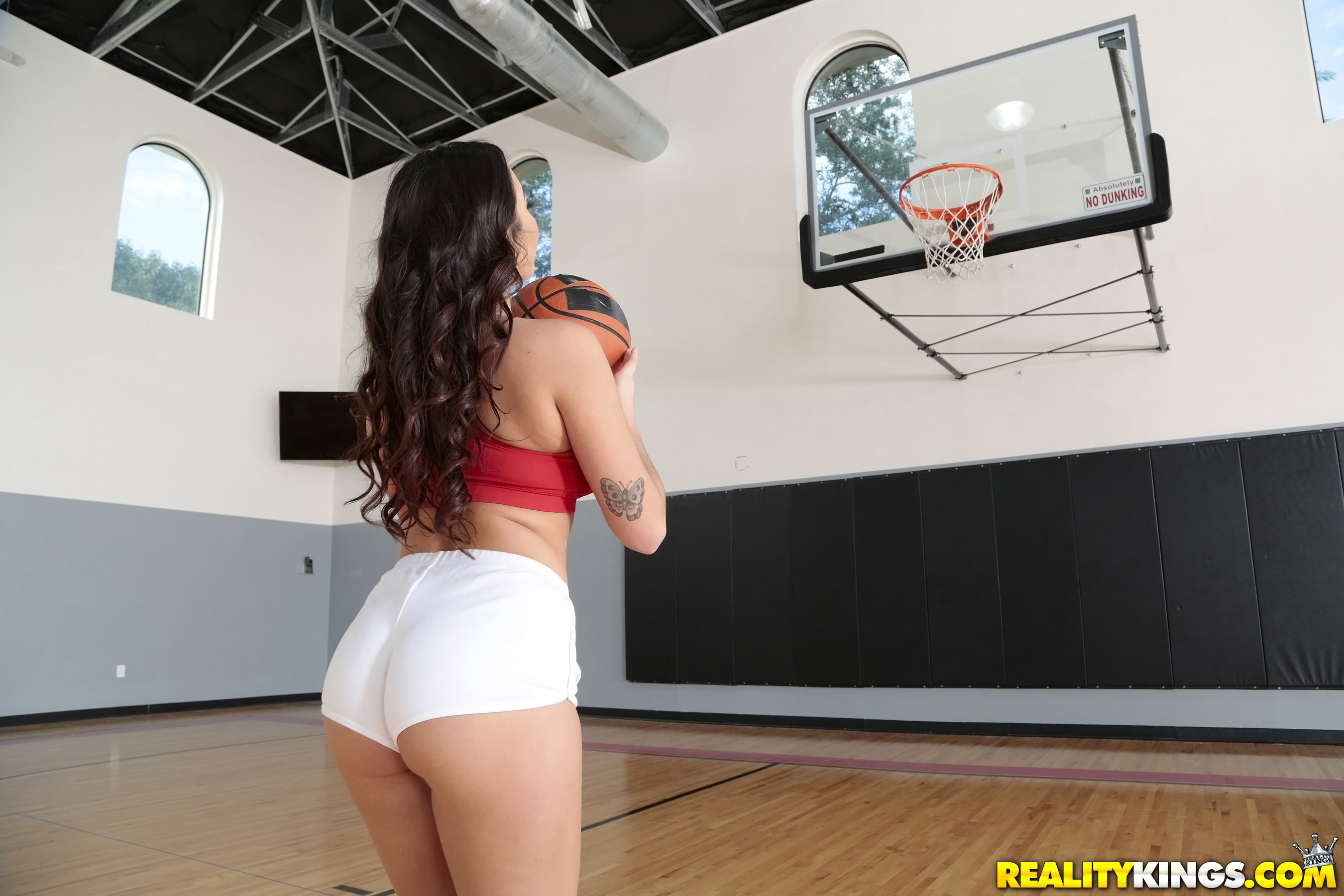 Reality Kings 'Shes ballin' starring Karlee Grey (photo 1)