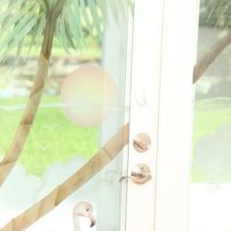 Kendra Lynn in 'Reality Kings' Labia love (Thumbnail 1)