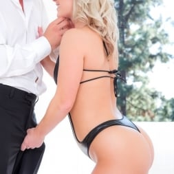 Kimmy Olsen in 'Reality Kings' Thick and thin (Thumbnail 148)