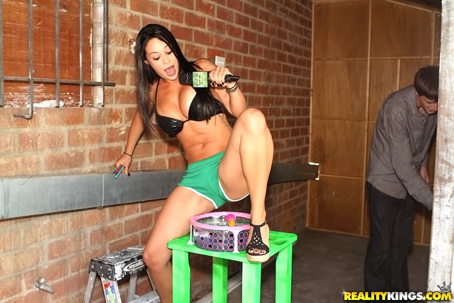 Reality Kings 'Money matters' starring Lexi Marie (Photo 1)