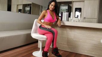 Liandra Andrade in 'Stretching liandra'