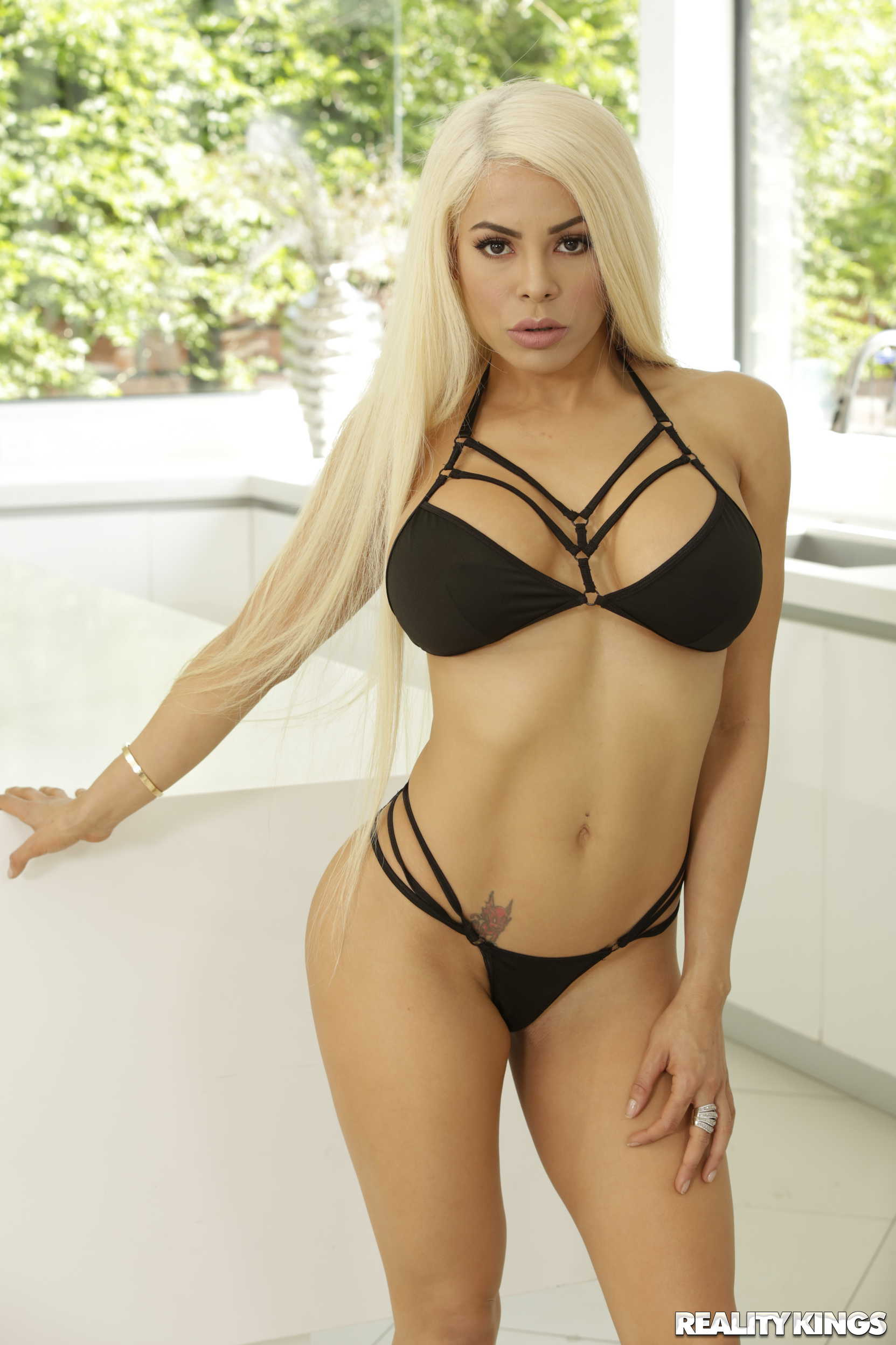 Reality Kings 'Locked Out Hottie' starring Luna Star (Photo 52)