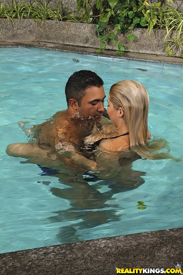 Reality Kings 'Aqua splash' starring Manu Venturini (Photo 160)