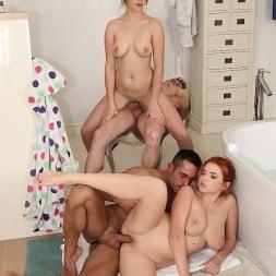 Marina Visconti in 'Reality Kings' Bath play (Thumbnail 320)