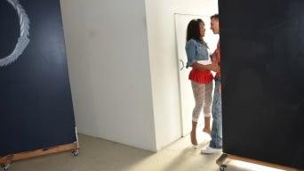 Marri Coxz in 'Twerking ass'