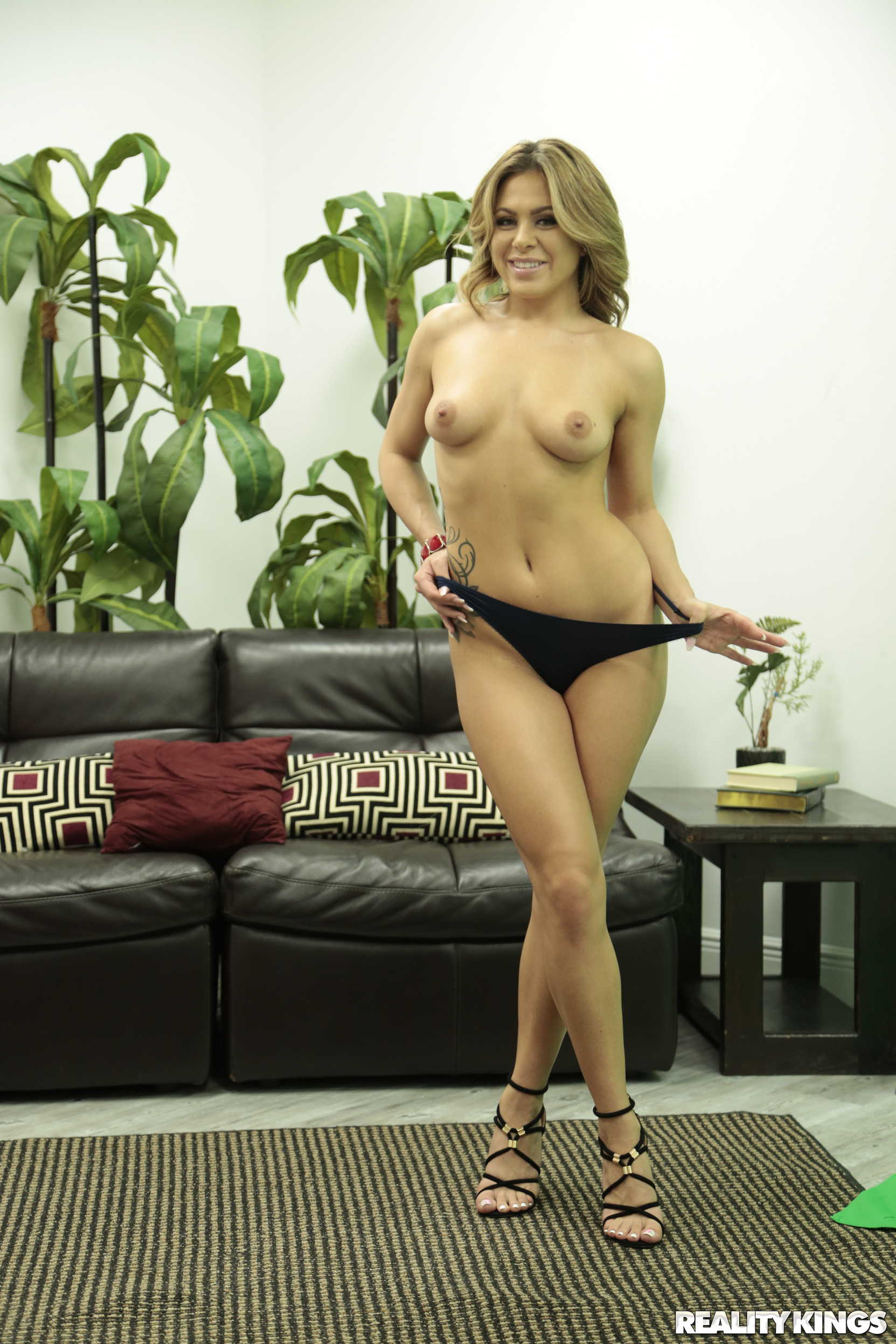 Reality Kings 'Focus Or Fuck' starring Mia Pearl (Photo 39)