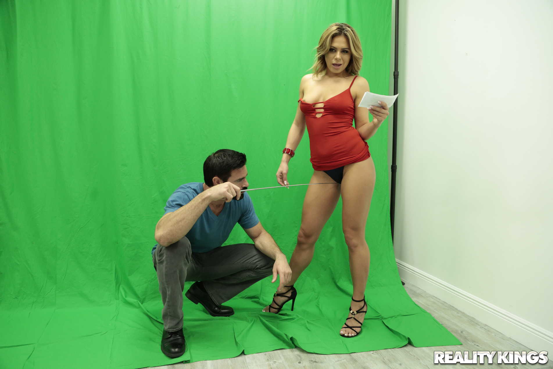 Reality Kings 'Focus Or Fuck' starring Mia Pearl (Photo 104)