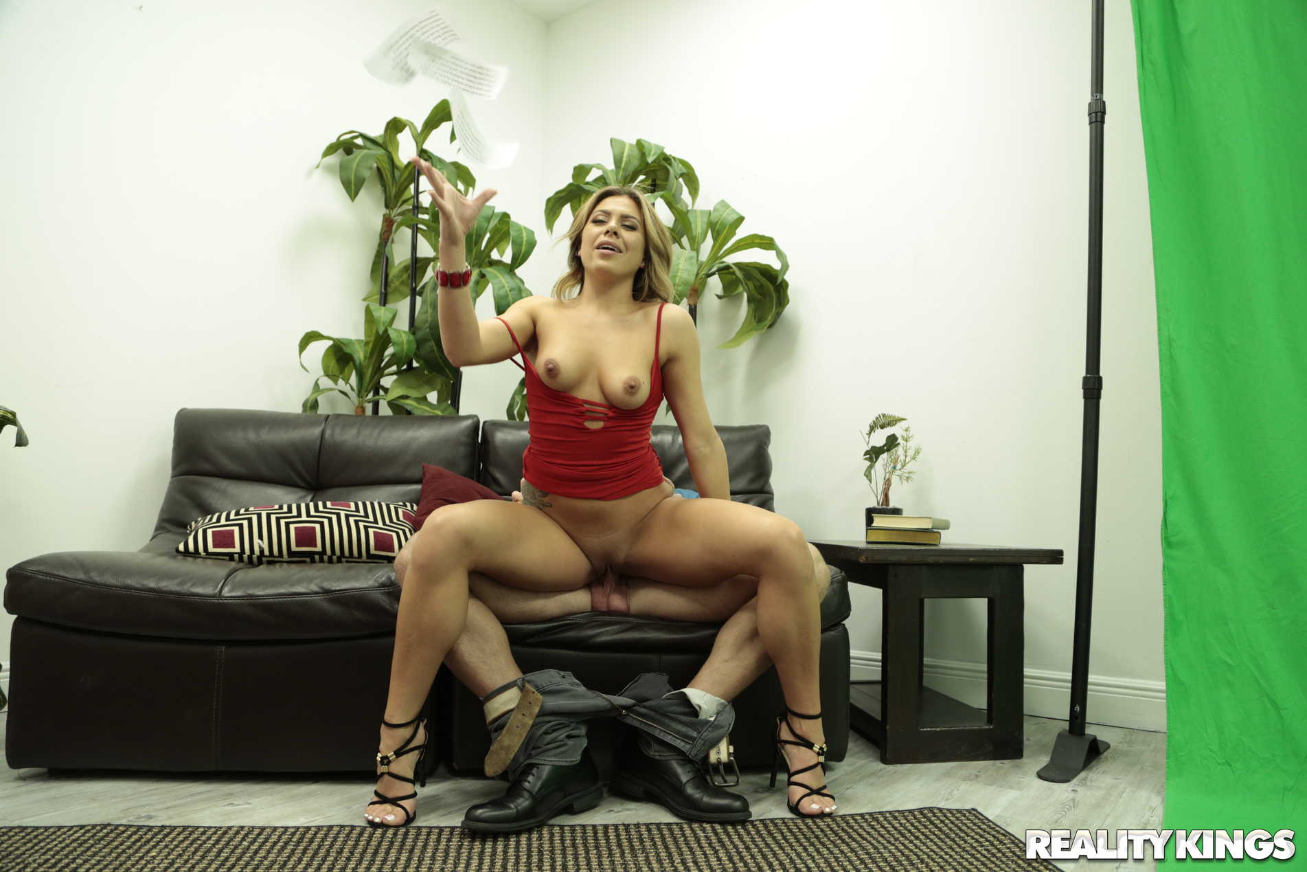 Reality Kings 'Focus Or Fuck' starring Mia Pearl (Photo 143)