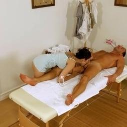 Miyuki Son in 'Reality Kings' Great rubbing (Thumbnail 124)