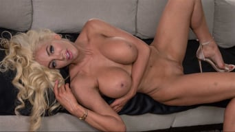 Nicolette Shea in 'Just Gotta Rest My Breasts'