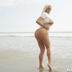 Nicolette Shea in 'Reality Kings' Vacation Vibes (Thumbnail 70)