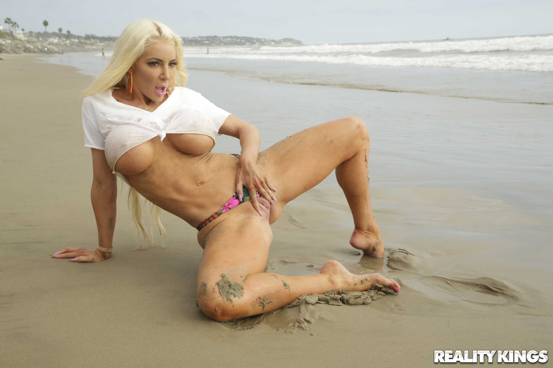 Reality Kings 'Vacation Vibes' starring Nicolette Shea (Photo 77)