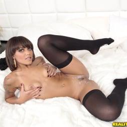 Peyton Rain in 'Reality Kings' Booty seductress (Thumbnail 504)