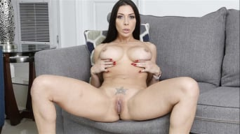Rachel Starr in 'Milf Catches The Hunters'