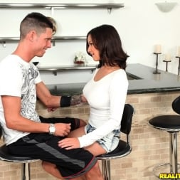 Shae Summers in 'Reality Kings' Sexy shae (Thumbnail 1)