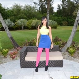 Stacey Foxxx in 'Reality Kings' Booty duty (Thumbnail 1)