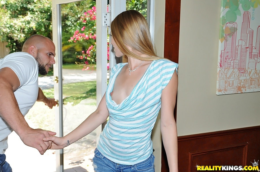 Reality Kings 'Cum correct' starring Sydney Cross (Photo 29)