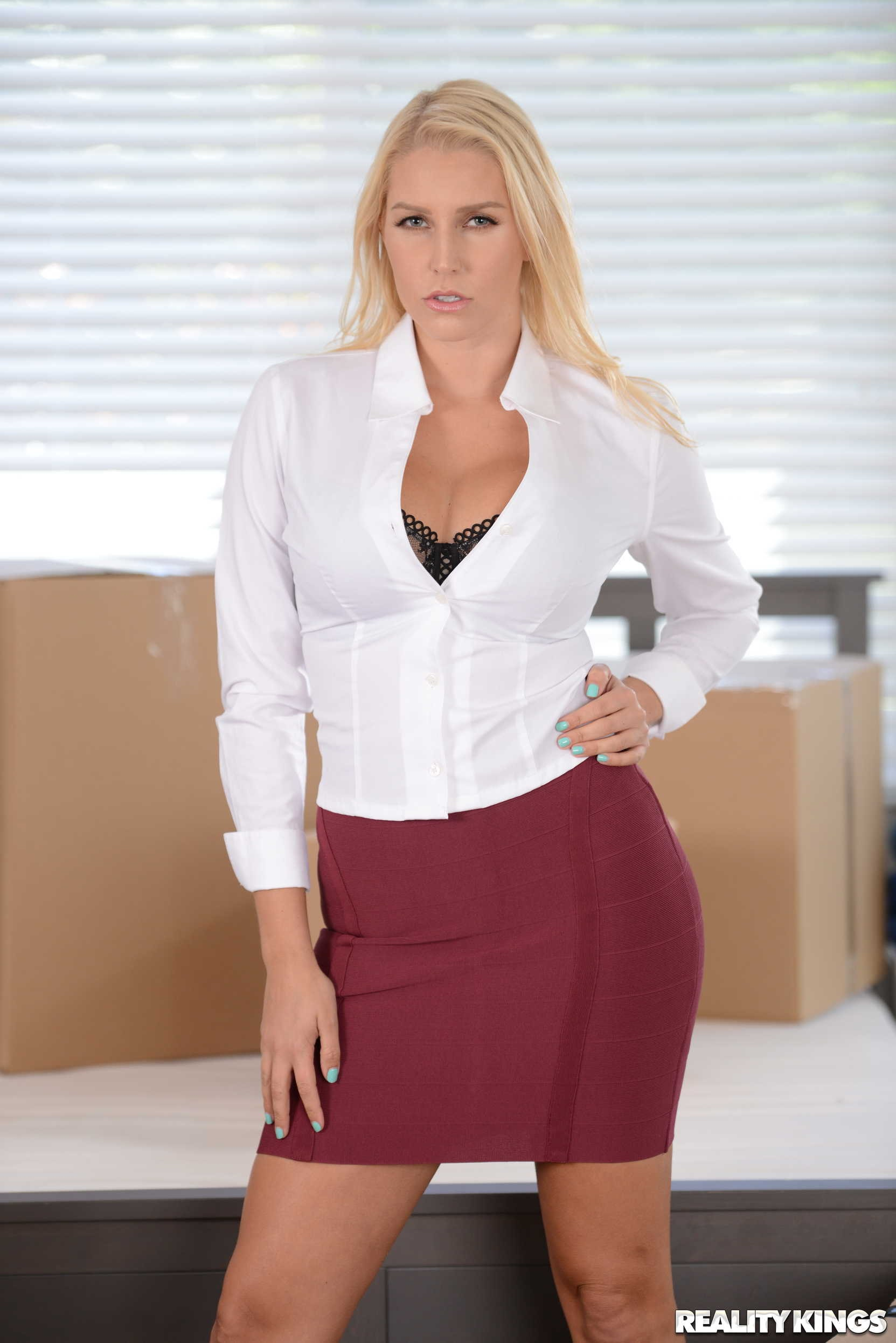 Reality Kings 'Moving Out Part 1' starring Vanessa Cage (Photo 1)