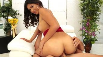 Victoria Valencia in 'Dick on the cob'